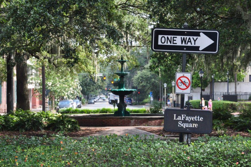 GEORGIA : Savannah Lafayette Square