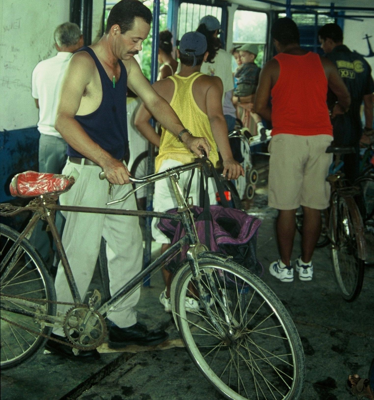 Cuba : La Habana : Lancha para Barrio da Regla
