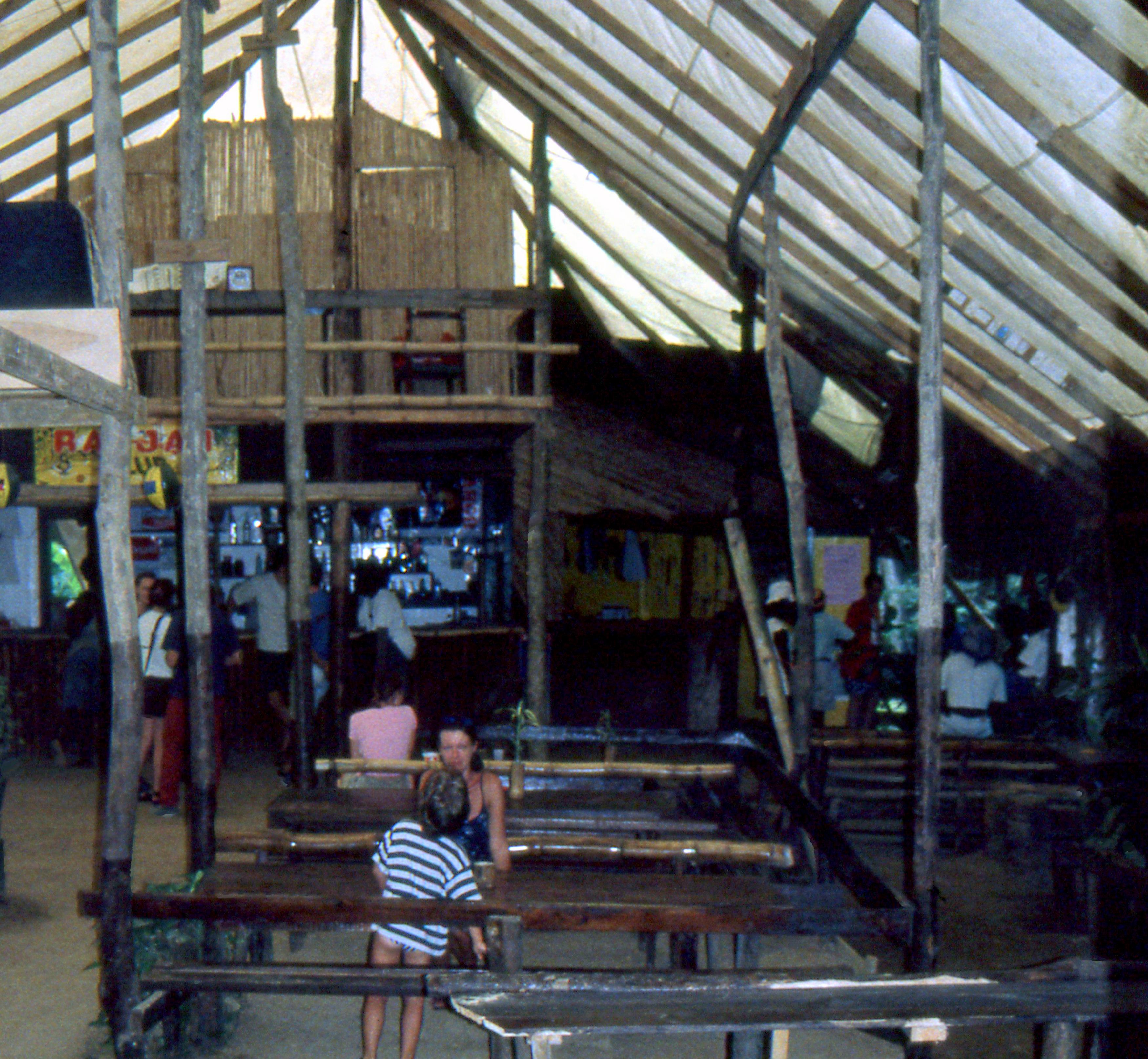 Dominica : Indian River Ticking Croc Tavern