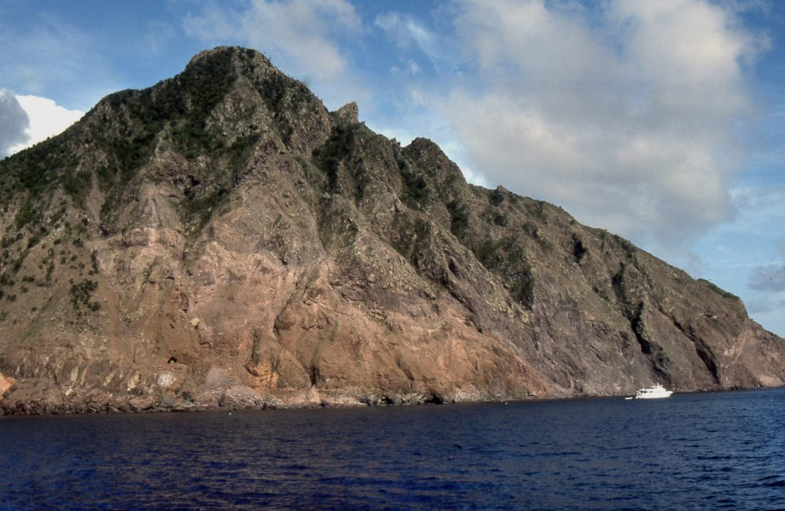 Ferry from Sint Marteen to Saba (Diamond Rock)