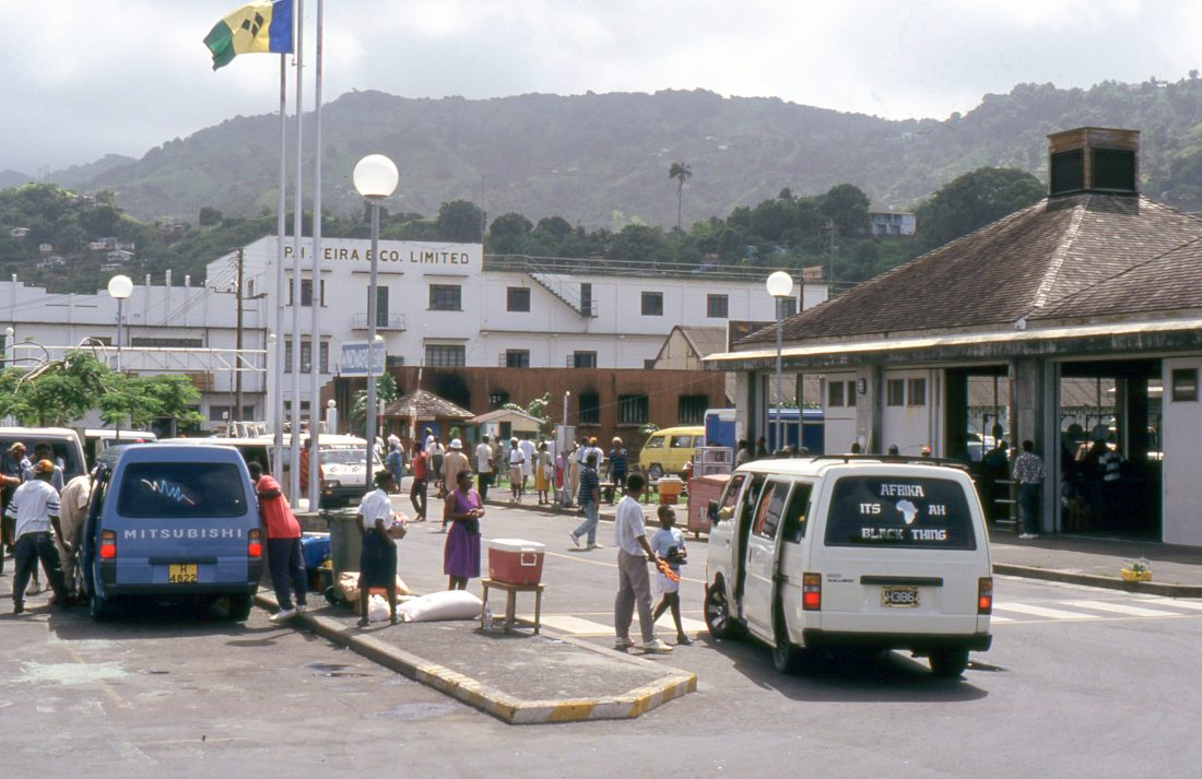 Saint Vincent and the Grenadines : Kingston
