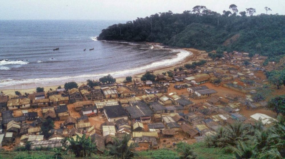 Ghana : View from Fort Batestein (Butre)