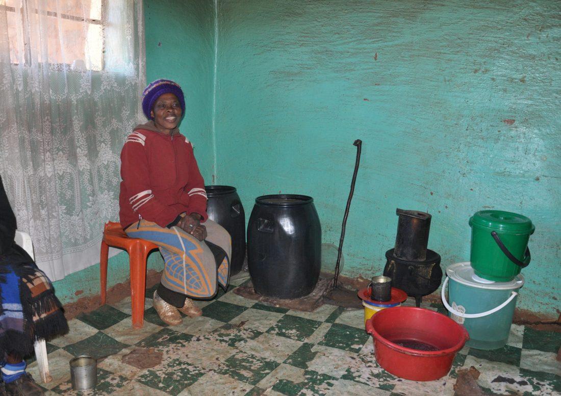 Lesotho : Malealea Village local bar