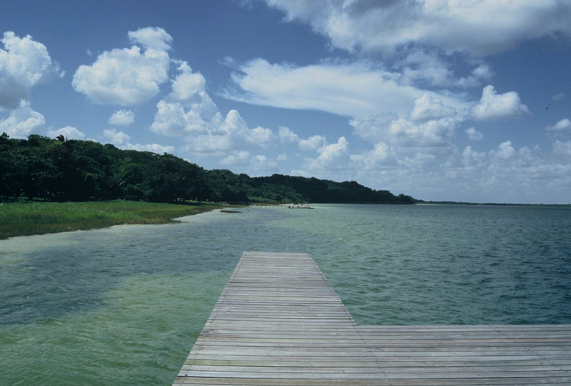 Belize : Lamanai River Tours Lamanai entrance
