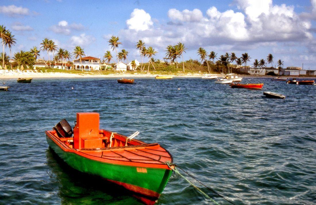 Anguilla : Island Harbour
