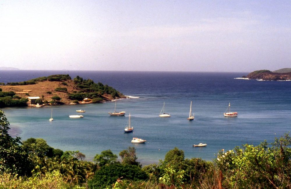 Saint Vincent and the Grenadines : Bequia Friendship Bay