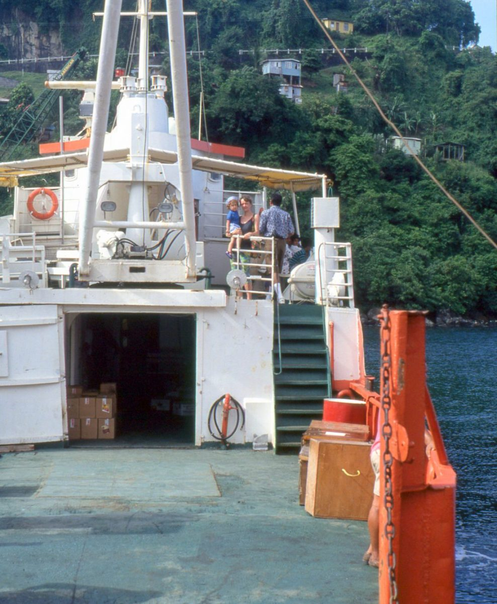 Saint Vincent and the Grenadines : Ferry to Bequia