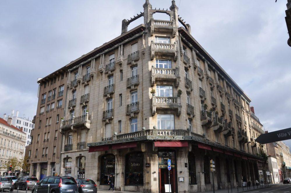 Nancy Art Nouveau : Brasserie de l'Excelsior (1910 Lucien Weissenburger A. Mienville) Adresse : 1, rue Mazagran