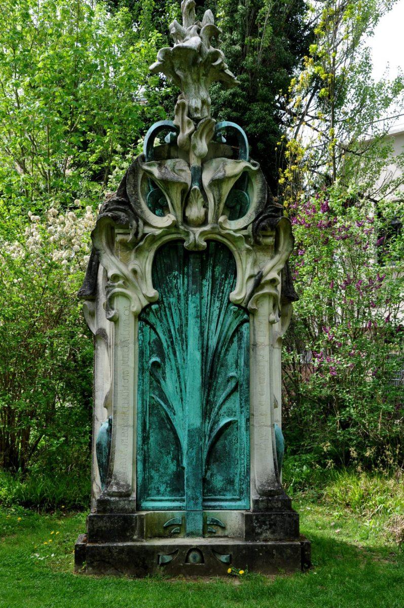 Musee Art Nouveau de Nancy : monument funéraire de Madame Nathan