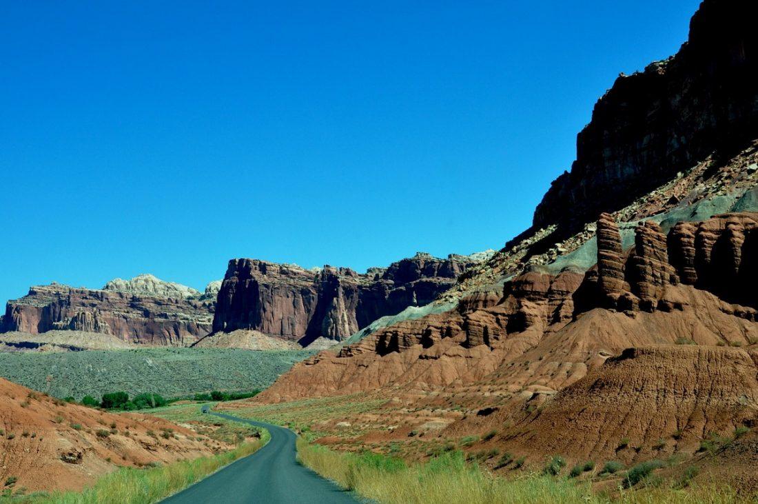 Utah's Scenic Byway 24 Fuita Scenic Drive (Slickrock Divide)