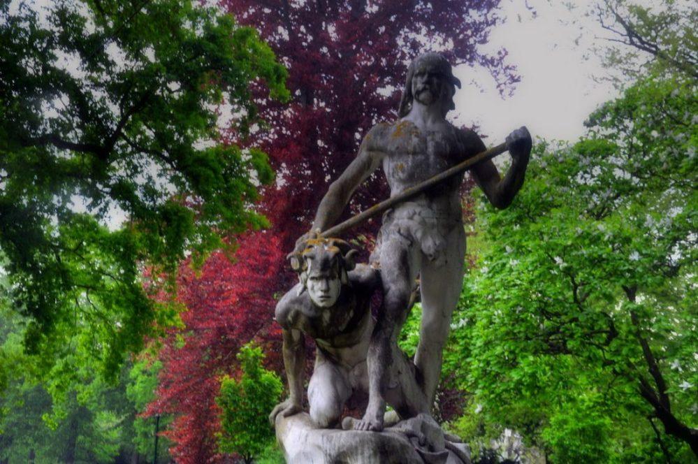 Nancy Pépinière Statue