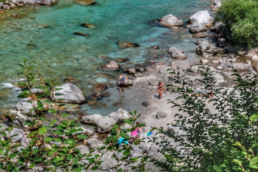 """Beaches"" along the Soča River (Kobarid)"