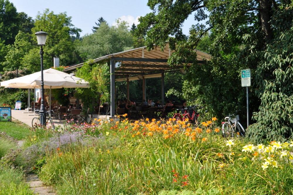 City Park Tivoli : Čolnarna